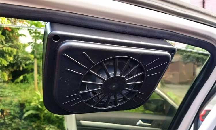 Ventilation-fan-to-keep-car-Cool-in-Summer